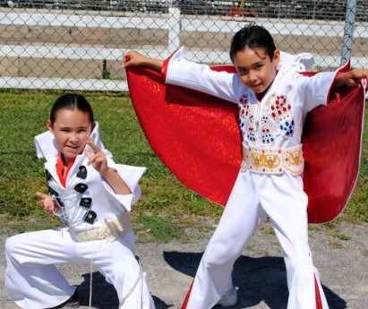 Tweed Tribute to Elvis Photo Community Press