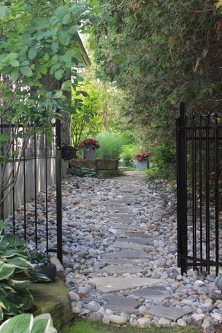 A Town and Country Garden Tour - Bay of Quinte Tourism